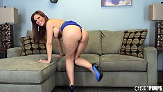 Sexy brunette MILF Syren De Mer loves to poses her hot bod on the couch