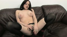 Janessa Jordan relaxes on her couch and rubs her cunny before toying it