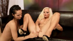 Slutty blonde babe gets horny and lets a sexy lesbian drill her slit