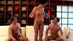 The horny Studding twins get into a hot threesome with Kelly Summers