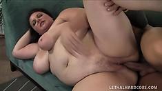 Plumper brunette slut Joslyn Underwood gets power jammed in her pussy
