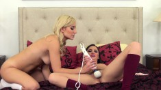 Hope and Xandra go lesbian as they toy and eat pussy while on their webcam