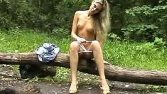 Teen Alison Masturbate Outdoor