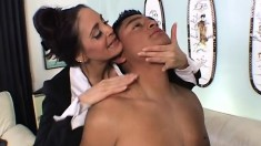 Buxom cougar Cheyenne Hunter has a fiery twat yearning for a hard dick